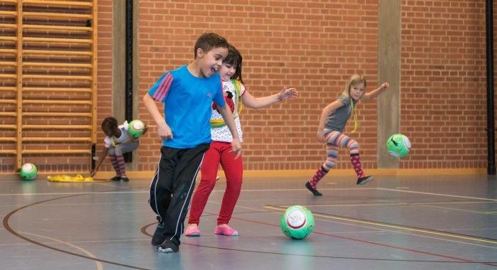 Fussball in der Schule: Spiele organisieren