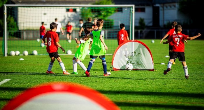Football des enfants: «play more football» – Les vertus du petit terrain