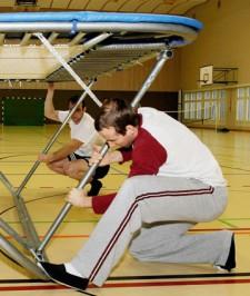 Trampolinspringen in der Schule (2)