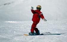 J+S-Kids – Snowboard: Leçon 3 «Exercices d'adresse sur une pente simple»