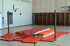 athl tisme perche saut la perche dans la salle de sport. Black Bedroom Furniture Sets. Home Design Ideas