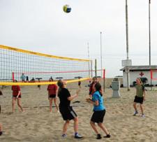 Beachvolleyball: Vom Strand an die Schulen