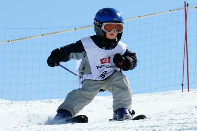 Sci e snowboard con i bambini: Risvegliare l'entusiasmo sin dall'inizio