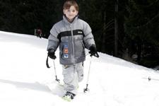 Raquettes à neige: Technique des étapes et des bâtons