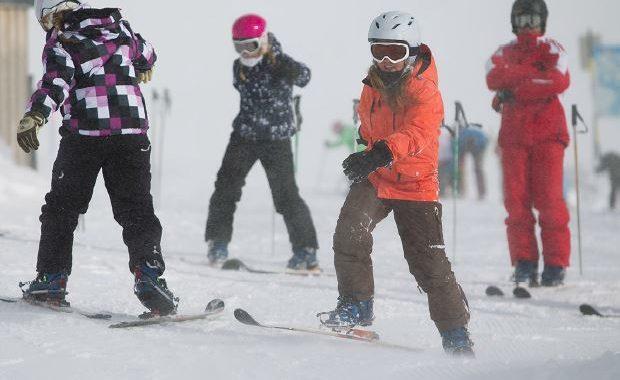 Kids auf Ski und Snowboard: Sags besser mit Bildern