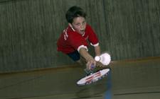 J+S-Kids – Badminton: Lektion 8 «Springen und Schlagen»