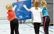 J+S-Kids – Leichtathletik: Lektion 10 «Gradlinig werfen»