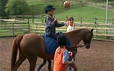 G+S-Kids – Sport equestri: Lezione 4 «La palla»