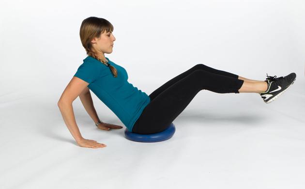Wie das Fett vom Unterteil die Bäuche in die Muskeln zu entfernen