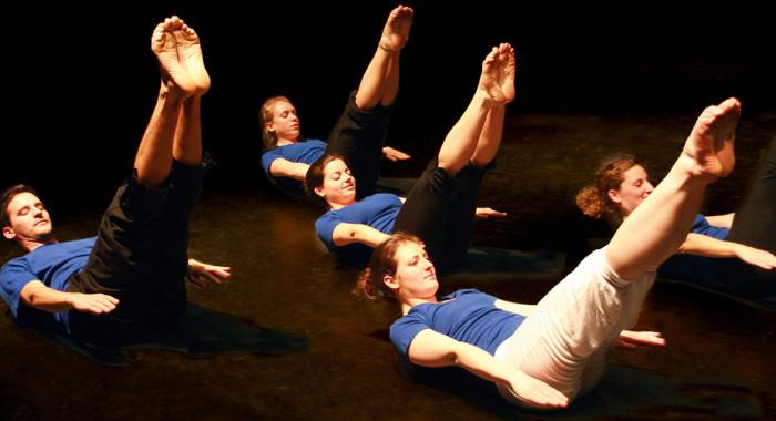 Training zu Hause für Jugendliche und Erwachsene: Mit Pilates Körper und Geist stärken