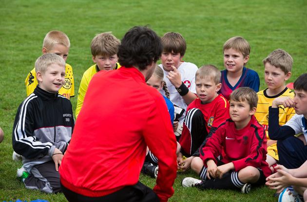 Immagini Di Calcio Per Bambini : Calcio u g s sport per bambini l allenatore mobilesport