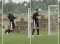 Fussball – Kopfballtraining: Technik – Nach Anlauf und einbeinigem Absprung (Flanke)
