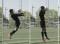 Fussball – Kopfballtraining: Technik – Nach beidbeinigem Absprung aus dem Stand mit Drehung (Pendel)
