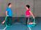 Sensomotorisches Training – Lage- und Bewegungssinn: Instabile Unterlage 2 D – Kniehochstand