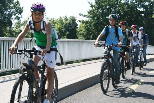 Alunni in bicicletta