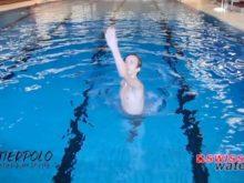 Wasserball – Paddeltechniken – Beinwärtsschieben: Sprung nach vorne oben – Niveau Fortgeschrittene