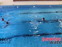 Wasserball – Passtechnik zu zweit: Nebeneinander in Bewegung mit Gleiten – Niveau Könner