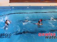 Wasserball – Passtechnik zu zweit: Nebeneinander in Bewegung mit Sprint zwischen den Pässen – Niveau Könner